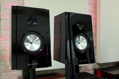 In a few days, at the Sound & Vision Bristol Show, Flamingo Audio will be showcasing for the first time in the UK, exciting products from the ZELLATON loudspeaker .....read more on www.hifipig.com #hifi #hifinews #hifireviews #DigThePig #highend #hifishow #audio #highend #bristol2016 #soundandvision