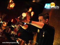 #antrosdemexico Vive una agradable noche en el bar Baby Lobster de Acapulco. ANTROS DE MÉXICO. Si estás buscando un lugar donde pasar una gran noche durante tus vacaciones en Acapulco, debes ir al bar Baby Lobster. Aquí encontrarás los mejores animadores de todo el puerto, quienes te harán pasar una noche tan agradable que no querrás irte hasta el amanecer. Visita la página oficial de Fidetur Acapulco, para obtener más información.