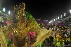 As fotos do álbum Mangueira 2015, a bateria no desfile, por Valéria del Cueto, no Flickr Desde o início da preparação do Carnaval 2015 acompanho os trabalhos da #primeirala, a bateria da Mangueira...