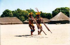 Flauta Uruá. Aldeia Kamaiurá, Alto-Xingu autor: Noel Villas Bôas 1998