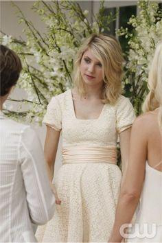 White lace dress - Taylor Momsen - Gossip Girl