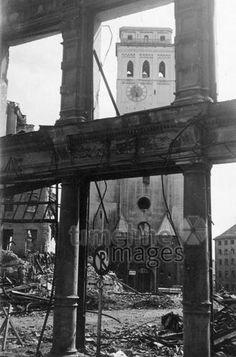 Zerstörtes München im Zweiten Weltkrieg, 40er Jahre Timeline Classics/Timeline Images #Luftangriff #Bombadierung #Destruction #Bombing #Munich #Schutt