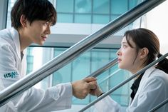 [Drama Doctor Yo-Han/Doctor John, 의사 요한 - Page 6 - k-dramas & movies - Soompi Forums Sung Lee, Ji Sung, Distended Stomach, Kpop Entertainment, Girl Doctor, Korean Drama Quotes, Medical Drama, Doctor Johns, Best Dramas