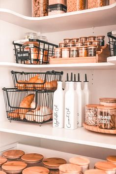Kitchen Pantry Design, Kitchen Organisation, Home Decor Kitchen, Home Kitchens, Fridge Organization, Diy Kitchen, Kitchen Interior, Küchen Design, Kitchen Remodel