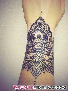 tatuajes de mandalas para mujeres 10