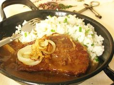Rostenka bol najslavnostnejsi obed mojej starej mamy, ked bola moja mamicka este… Rostenka was my grandmother's most solemn dinner when … Best Liver Detox, Liver Detox Cleanse, Liver And Onions, Eastern European Recipes, Modern Food, Onion Recipes, Stew, Curry, Pork