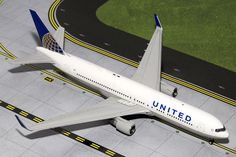 Gemini Jets United Airlines Boeing Registration: IN STOCK - item usually ships within 24 hours Length Wingspan Each model is very collectible and all regul Diecast Airplanes, Model Airplanes, Airplane For Sale, Airplane Toys, John Wayne Airport, United Airlines, Diecast Models, Spacecraft, Gemini