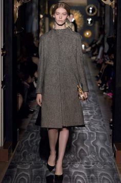 """Valentino   Coat """"Le miroir des vanitiés"""" in tweed and black cashmere double encrusted with cashmere double, engraved of tapestry and arabesque."""