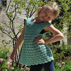 FREE CROCHET PATTERN - (for the month of May 2014 only) Cute pinafore for girls in many sizes from 1 yr to 8 yrs. ༺✿ƬⱤღ https://www.pinterest.com/teretegui/✿༻