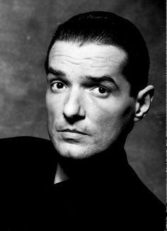 """Falco (* 19. Februar 1957 in Wien; † 6. Februar 1998 zwischen Villa Montellano und Puerto Plata in der Dominikanischen Republik; eigentlich Johann """"Hans"""" Hölzel)"""