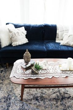 boho coffee table styling with Urban Outfitters furniture, 3 ways to style a coffee table, living room decor idea, interior design, boho furniture, cozy space