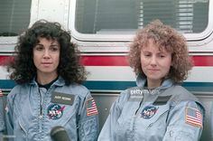 Cape Canaveral, FL- Concord, New Hampshire teacher Christa McAuliffe and fellow crew member Judy Resnik have their hair blown by the over twenty-five knot winds on launch pad as they meet the media after a dress rehearsal countdown. Space Disasters, Christa Mcauliffe, Space Shuttle Challenger, Cape Canaveral, Launch Pad, Nasa Astronauts, Earth From Space, Space Program, Space Exploration