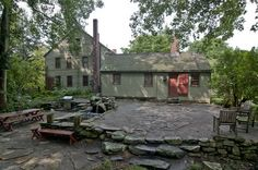 1710 Early New England Colonial