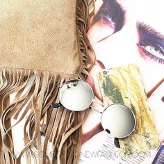 Who's in to rock some suede fringe bag? #SNFashion #somethingnewfashion #fringe #fringebag #bag #tas #tassen #leather #leatherbag #italianbag #fashion #webshop #marble #marblephonecase #sunglasses #sunglass #sun #zonnebril #zonnebrillen