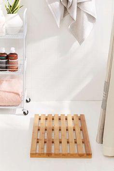 Eco-friendly Bamboo Bath Mat | bathroom decor | Bathroom style | affiliate