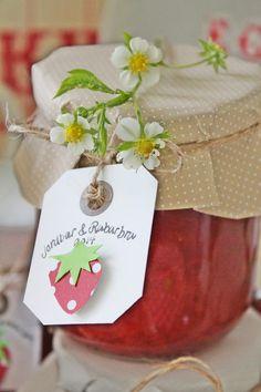 VIBEKE DESIGN: strawberries and rhubarb jam