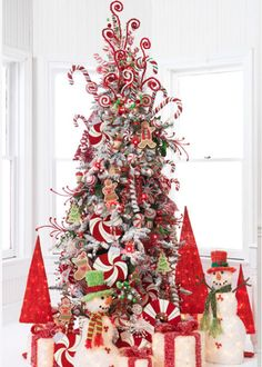Home Christmas Decoration: Christmas Decoration: Candy cane theme :) Candy Cane Christmas Tree, Christmas Tree Farm, Christmas Tree Themes, Noel Christmas, White Christmas, Christmas Holiday, Christmas Ideas, Xmas Trees, Christmas Sweets