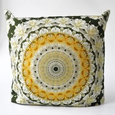 Pillows in a completly new style! Kissen in ganz neuem Stil. Cushions, Tapestry, Throw Pillows, Cover, Flowers, Home Decor, Style, Yellow, Pillows
