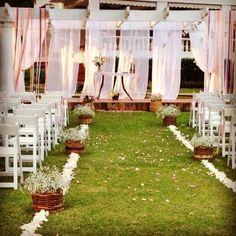 casamento campestre  caminho e altar decoração e cerimonial: Rubia Coelho