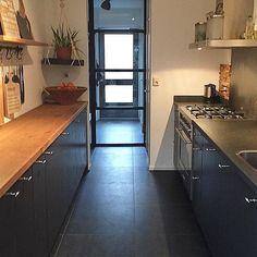 """nuevo-interiordesign on Instagram: """"🖤 Fijne dag allemaal🖤 #binnenkijkenbijmijthuis #keukendesign #keukeninspiratie #maatwerkmeubels #interieurontwerp #interieuradviesopmaat…"""""""