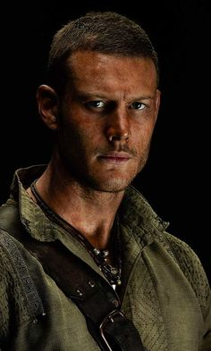 Billy Bones (Tom Hopper)
