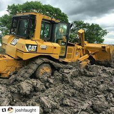 Cat in deep Cat Machines, Heavy Equipment, Tractors, Cats, Vehicles, Deep, Big, Gatos, Car