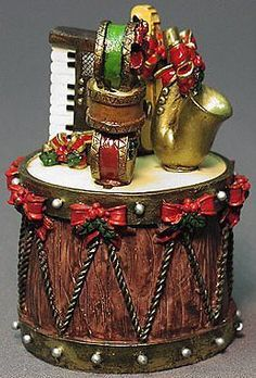 Christmas Drum Spreader holder and 4 spreader instruments (set of 5). Spreaders are yellow violin; 2) saxophone; 3) keyboard; 4) 3 drums stacked.