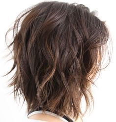 I like this but whenever I try it I feel like I look like I just rolled out of bed. Shoulder-Length+Choppy+Wavy+Bob #HairstylesILike