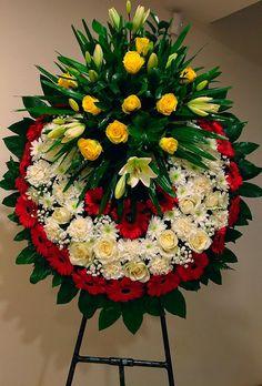 Flower Arrangement Designs, Unique Flower Arrangements, Flower Centerpieces, Flower Wreath Funeral, Funeral Flowers, Funeral Caskets, Casket Flowers, Funeral Floral Arrangements, Funeral Sprays