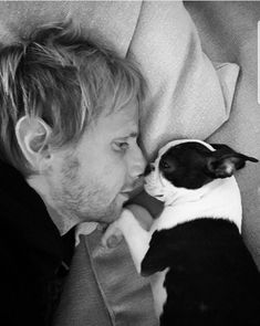Sunday's. Muse Band, Matthew Bellamy, I Adore You, Kpop, I Don T Know, Music Stuff, Mans Best Friend, Music Is Life, Musica