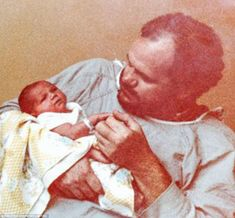 August 4, 1981:In Los Angeles her proud father tenderly cradles newborn Meghan Markle – a future royal princess