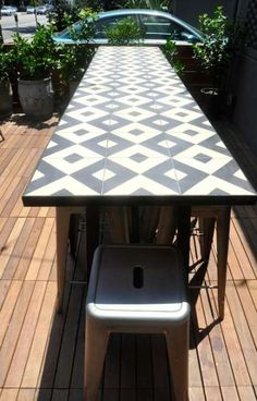 ideas for tile patio table top Tile Patio Table, Tile Top Tables, Diy Table Top, Patio Tiles, Diy Dining Table, Table Top Design, Outdoor Tiles, Patio Seating, Patio Design
