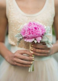 Perfectly simple pink wedding bouquet for the minimalist bride; Featured Photographer: Amanda Suanne Photography
