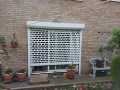 continental security shutters offer a quality roller shutter solution, with a medium to high level security to domestic, retail & commercial premises in London and surrounding areas of UK. Steel Gate Design, Door Gate Design, Fence Design, House Extension Design, Extension Designs, House Design, Security Shutters, Security Doors, Rolling Shutter