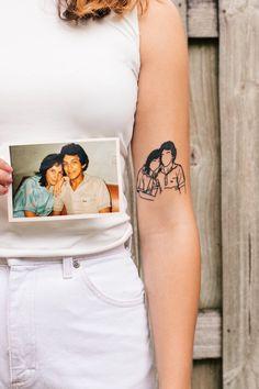 Photo Interpretation Sister Tattoos, Parent Tattoos, Baby Tattoos, Flower Tattoos, Small Tattoos, New Tattoos, Body Art Tattoos, Cool Tattoos, Tatoos