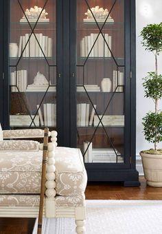 Ethan Allen Birkhouse display cabinet • glass-front book shelves