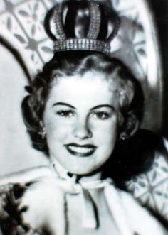 Armi Helena Kuusela Miss Universe the Miss Universe pageant, was held on June 1952 at the Long Beach Municipal Auditorium in Long Beach, California, USA. Miss Universe Crown, Hilario, Miss Usa, Miss World, Beautiful Inside And Out, Old Hollywood Glamour, Beauty Pageant, Amazing Adventures, Beauty Queens