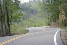 The 20 greatest driving roads in the world. Deals Gap AKA Tail of the Dragon. Tennessee USA