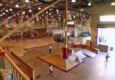 indoor skateboard park - Google Search Hall Design, Skate Park, Building Design, Layout, Indoor, Cool Stuff, Interior, Google Search, Skateboarding