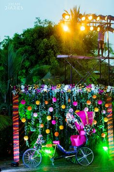 Looking for Decorated rickshaw prop Photo Booth for mehendi? Browse of latest bridal photos, lehenga & jewelry designs, decor ideas, etc. Desi Wedding Decor, Wedding Hall Decorations, Marriage Decoration, Wedding Entrance, Wedding Mandap, Wedding Chairs, Flower Decorations, Wedding Ideas, Kite Decoration
