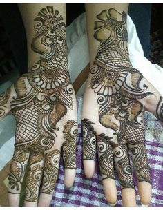 Best 11 Mehndi henna designs are always searchable by Pakistani women and girls. Women, girls and also kids apply henna on their hands, feet and also on neck to look more gorgeous and traditional. Arabic Mehndi Designs Brides, Modern Henna Designs, Indian Henna Designs, Floral Henna Designs, Full Hand Mehndi Designs, Mehndi Designs Book, Mehndi Designs 2018, Mehndi Designs For Beginners, Mehndi Design Photos