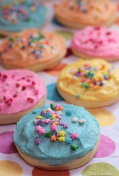 Frosted Sugar Cookies on http://momwhats4dinner.com/frosted-sugar-cookies/