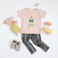 Creamy soft petal pink organic cotton tee with the biggest, yummiest ice cream sandwich EVER. Features snaps at shoulders in infant sizes.