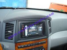 Installazione navigatore 2DIN Pioneer AVIC F930BT su Gran Cherokee