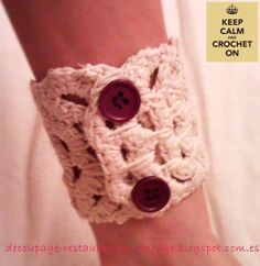 Decoupage, tránsfer, restauración, pintura y otras técnicas: Pulsera brazalete en crochet