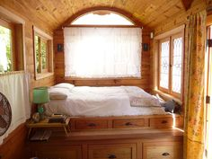 Rolling Works of Art: a review of Zyl Vardos tiny houses