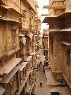 jaisalmer / india  © Nok Acharee