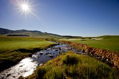 on the golf course Country Estate, Golf Courses, Scenery, Country Roads, Mountains, Nature, Travel, Paisajes, Viajes