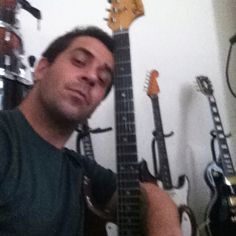 Working on my new song !!!!!! Good morning my friends, working on new song and new collaboration! Stay tuned http://soundcloud.com/eduardo-pratti/frustrations-music-by-elize
