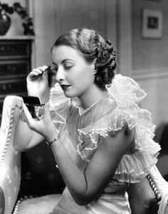 Barbara Stanwyck sul set di un film nel 1929 - Il Post